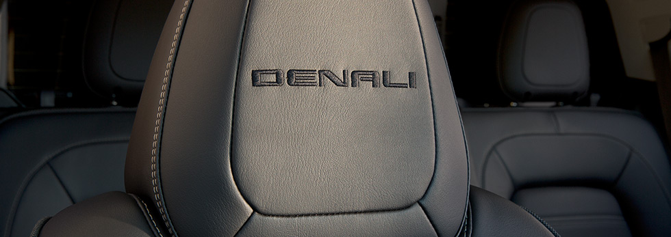 2016-gmclife-canyon-denali-s1-980x347-05